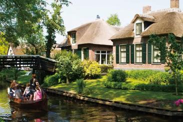 【阿姆斯特丹】攬海大壩、羊角村、購物城巴士一日遊