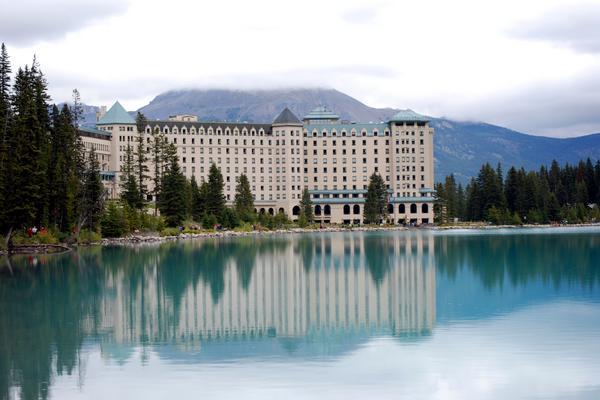 長榮!加拿大洛磯冰原雪車、升等入住露易絲湖城堡、維多利亞、硫磺山纜車、美食購物10日