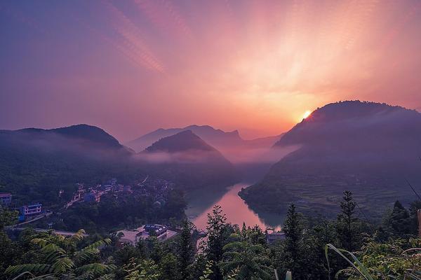 茶顏悅色張家界、天門山、九天洞、茅岩河、魅力湘西秀6日(升等溫德姆)