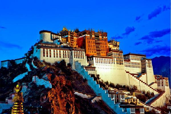 世界屋脊西藏、布達拉宮、聖湖羊卓雍措、青藏鐵路8日(升等瑞吉酒店)