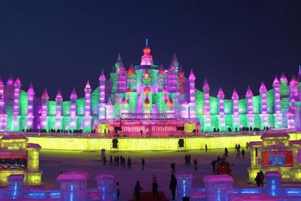 【長榮航空】東北冰雪大世界、伏爾加莊園、太陽島雪雕博覽會四日