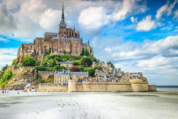 【賺很大】法國聖米歇爾山、羅亞爾河雙城堡、莎爾特燈光節、米推料理10日