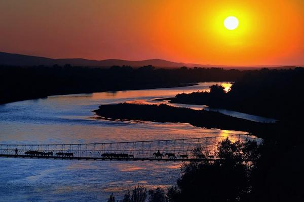 翠藍北疆~巴音布魯克、那拉提、賽里木湖、禾木村、船遊喀納斯10+1日