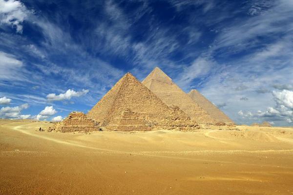 【賺很大】埃及金字塔群、騎駱駝&風帆船、五星河輪、阿布辛貝11日