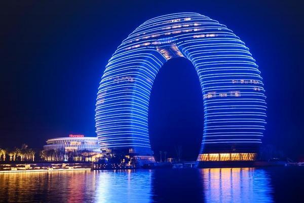 【尋夢江南太湖之月】上海第一高樓、喜來登自助餐、夜宿烏鎮、南潯古鎮5日(五星飯店、豪華三排椅、贈網卡)