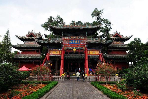 西安漫步韓城古城黨家村、解州關帝廟、華山西峰纜車上下、兵馬俑8日