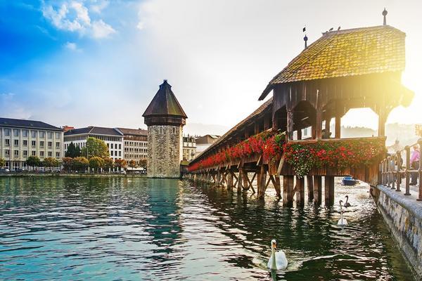 【賺很大】法瑞義羅浮宮、鐵力士山、雙高速列車、雙遊船、米其林風味11日