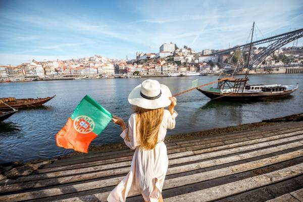 【賺很大】葡萄牙雙點波多百年酒莊、佩納宮、巨岩鎮、貝納吉爾海蝕洞12日
