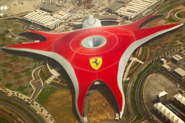 杜拜~三大頂級飯店餐食、法拉利樂園、哈里發塔、沙漠衝沙、羅浮宮8日
