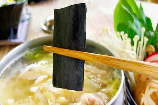 【南投】武岫休閒農場。竹炭鮮筍火鍋套餐