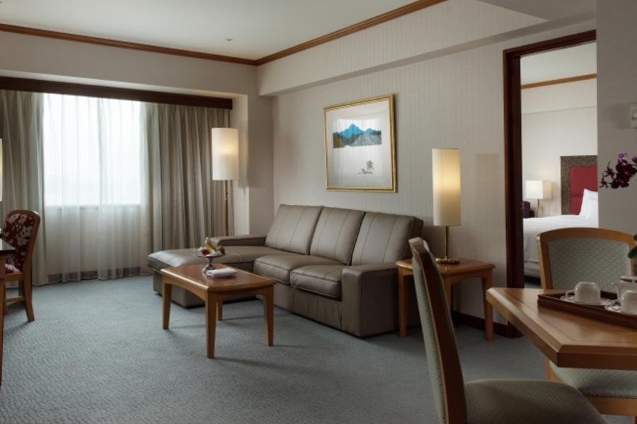 和運假期-高雄福華大飯店含早+2日租車