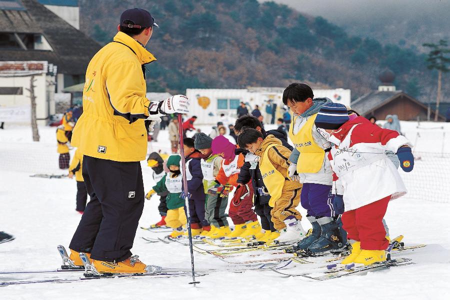 【升等市區飯店】魅力韓國滑雪GO~愛寶樂園.HEO塗鴨秀.明洞4日