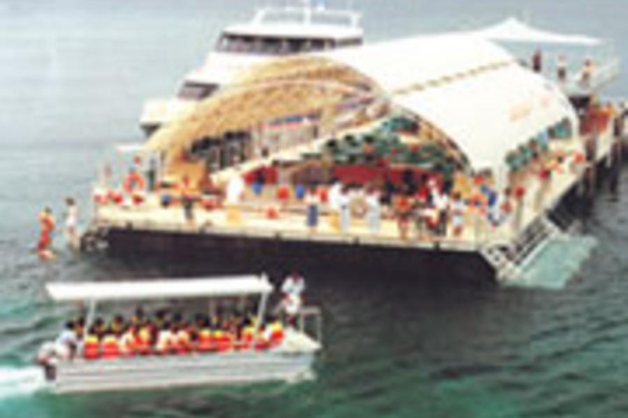 夏日浪花~蘭卡威芭椰島+東方村纜車+蟲鳴大地+泰迪熊博物館 五日