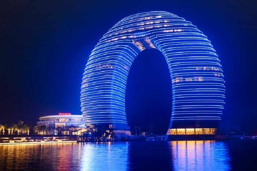 江南超5星月亮灣喜來登酒店、靈山拈花灣小鎮、登上海環球金融大樓5日