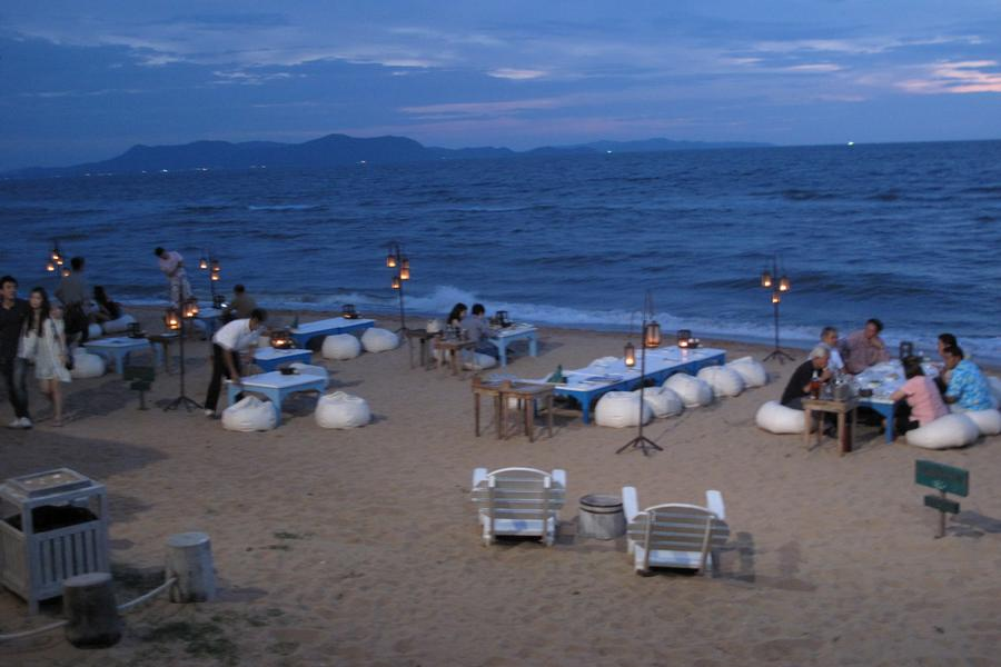戀戀泰國 。無敵夕陽海景。 芭達雅懸漄海景餐廳。 曼谷五星潮流酒店五日
