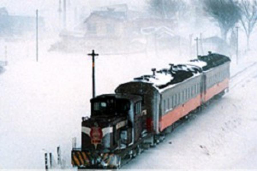 【青森雪怪幻想曲】十和田冬物語、暖爐列車、華麗睡魔4日(長榮青/青)