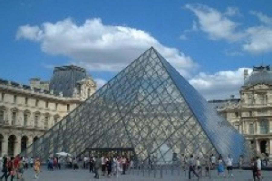 看見西歐荷比法10日~古典名城、雙遊船、印象人文巡禮、巴黎四晚★特別安排登艾菲爾鐵塔第二層(含稅)