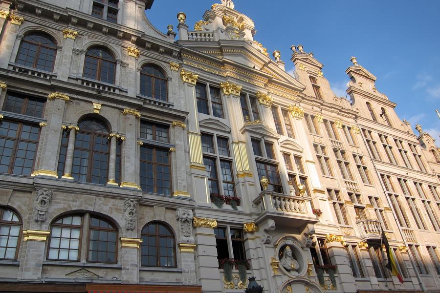 西歐風情畫 法比荷 時尚巴黎 百年小鎮 雙遊船9天