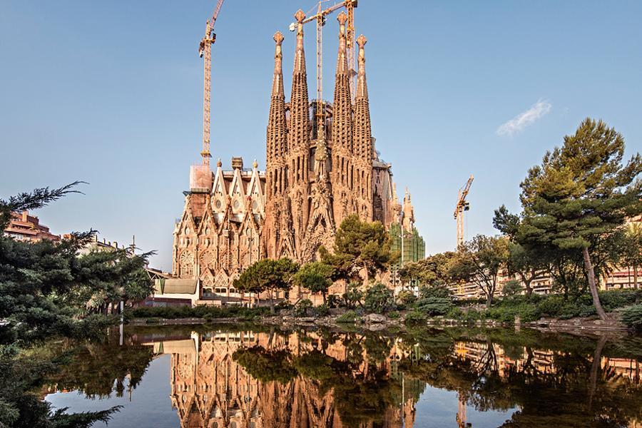 西班牙10日~拉丁美食、文化遺產、高第藝術巡禮(聖家堂+奎爾公園)、巴塞隆納一晚五星10天