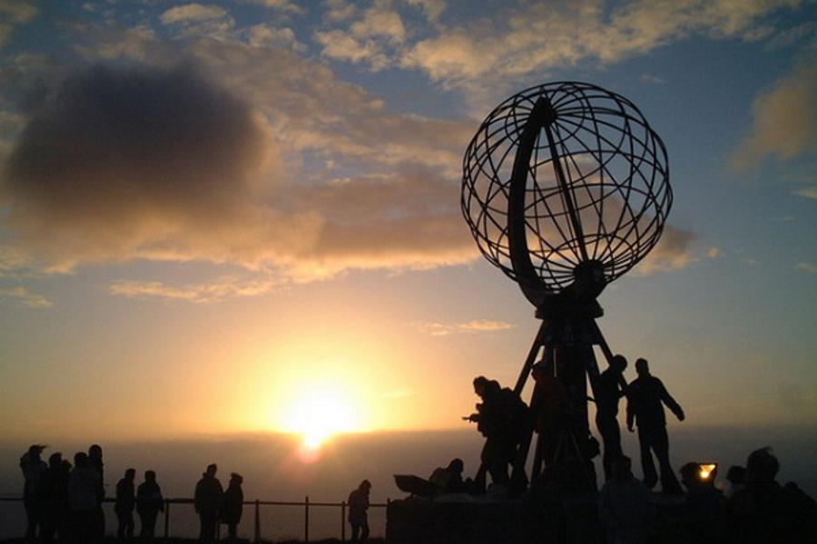 AY PAK~北歐五國北角北大西洋大道&格陵蘭島18天(含稅小費)