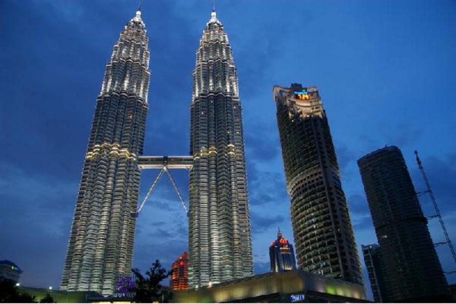 馬新雙享樂~吉隆坡高塔360度旋轉下午茶、雙子星花園廣場、世界遺產、樂高樂園、新加坡環球影城、濱海灣超級樹六日(馬進~新出)
