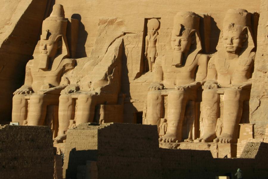 阿聯酋!埃及杜拜雙國11日~中段飛機、金字塔巡禮、阿布辛貝聲光秀、亞特蘭提斯、哈里發塔登高(含稅簽小費)