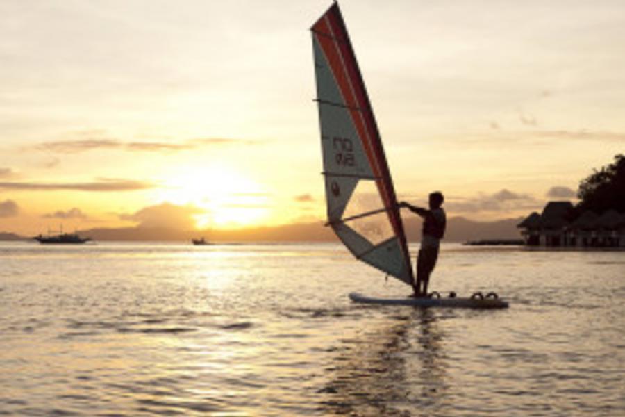 蔚藍海岸巴拉望愛妮島浪漫水上屋五日《長榮PAK》