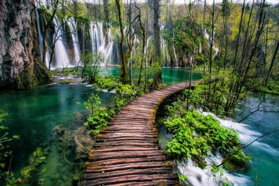 克羅埃西亞、十六湖國家公園、杜布羅尼克纜車、布列德城堡、鐘乳石洞10日