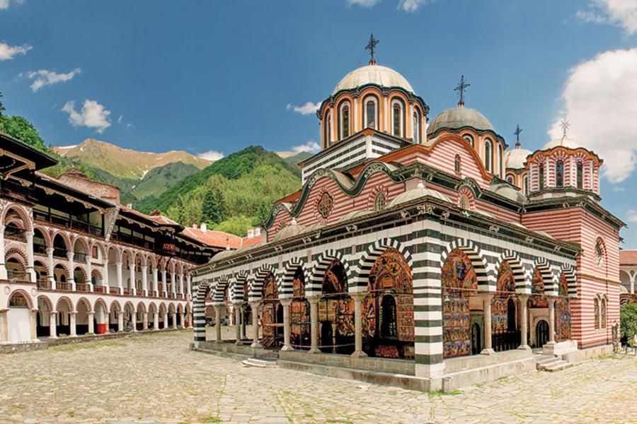 【賺很大】保加利亞羅馬尼亞、雙古都、里拉修道院、吸血鬼古堡、杜哈10日