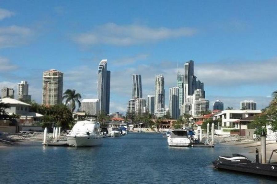 《黃金海岸升等五星酒店1晚》澳洲黃金雪梨雙城八日~天堂鄉農莊、思洛美酒莊、百萬遊艇、雪梨塔(送雪梨夜景及小費)BS