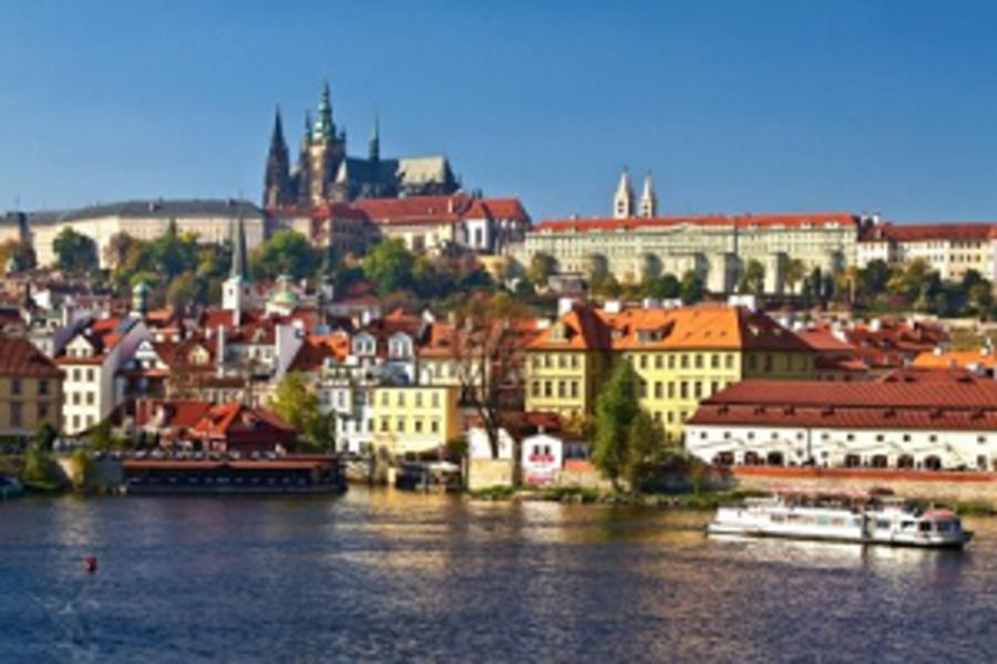 《聖誕響叮噹》德國.捷克8日~布拉格最FREE、羅曼蒂克大道、古城小鎮輕鬆遊&特別加贈伏爾塔瓦河遊船(含稅)