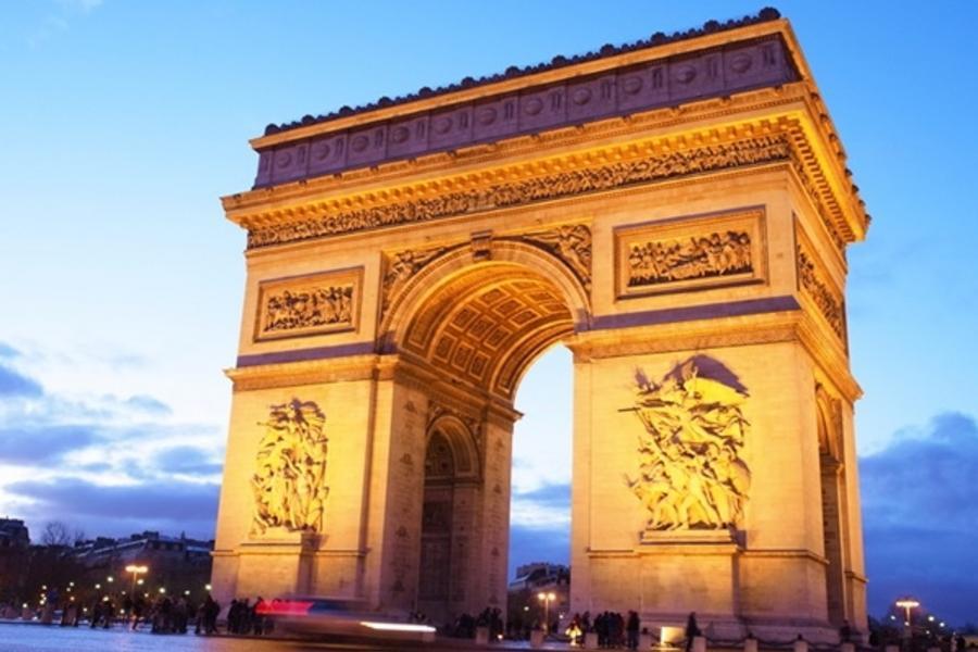 魅力歐洲、法比荷~漫遊WIFI機、巴黎二晚五星、積木飯店、雙宮雙遊船、米其林推薦餐廳10日(含稅)