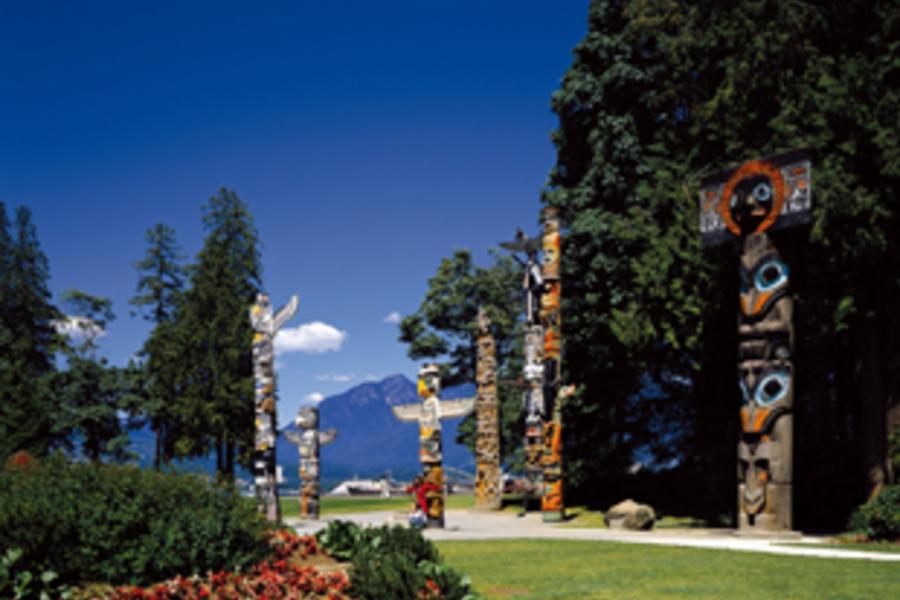長榮直飛!加拿大8日~露易斯湖城堡、四大國家公園(含稅)