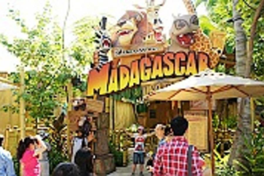 【寒假親子新加坡】〜環球影城、機器人餐廳、五星烏節君樂酒店、海事博物館、全球最大海洋生物園、觀景摩天輪、牛車水、小印度、金沙娛樂城四日