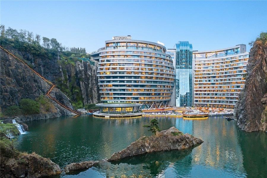【深坑秘境精靈之城】世界建築奇觀佘山洲際酒店、上海無錫水鄉遊4日