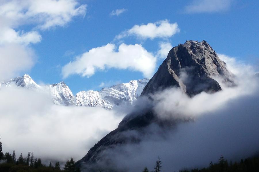 【天路香巴拉】稻城亞丁、四姑娘山、梅里雪山、西藏拉薩、青藏鐵路18日