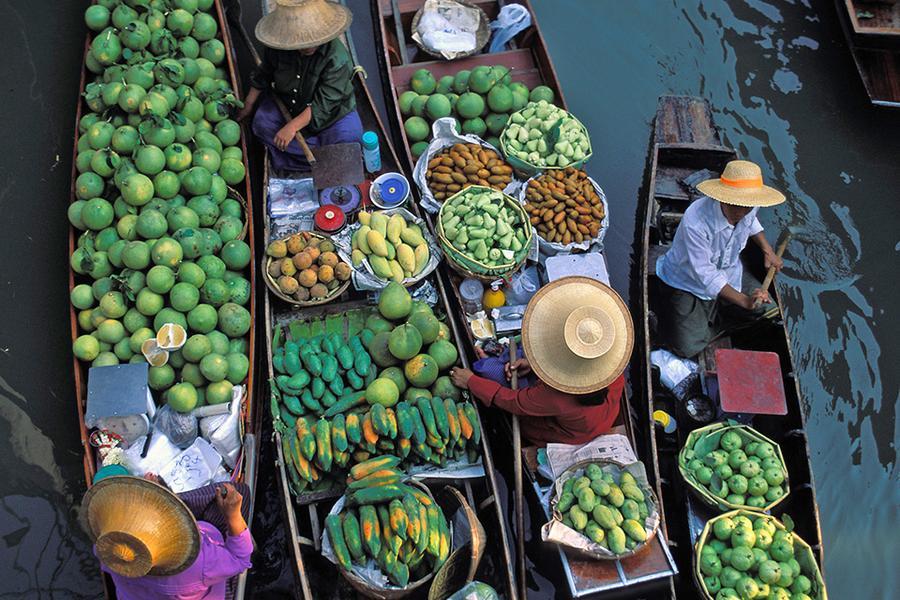 遊泰國~東芭樂園、格蘭島水上三項(拖曳傘.香蕉船.摩托車)、TIFFANY人妖秀、最夯火車夜市、水上市場5日(含稅、簽)