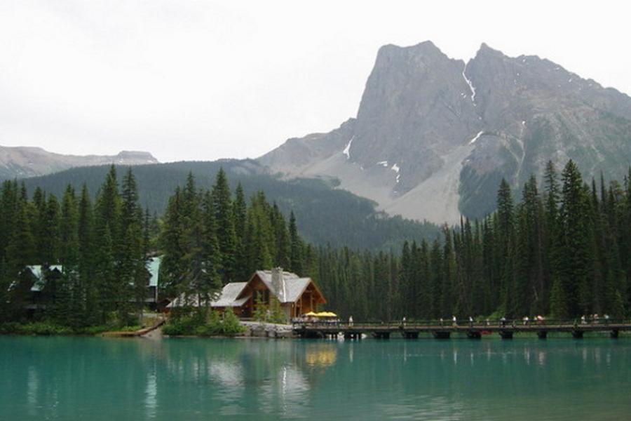 《城堡浪漫晚餐》峰花雪岳 加拿大 洛磯山脈 露易絲湖城堡 冰原雪車 維多利亞 9天