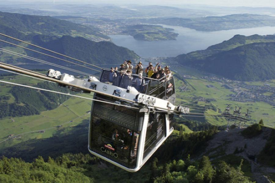 德瑞雙峰雙堡10日~馬特洪峰齒軌火車、石丹峰雙層露天纜車、新天鵝堡、郝恩佐倫堡、賓士名車訪趣、中世紀城堡之旅(含稅)