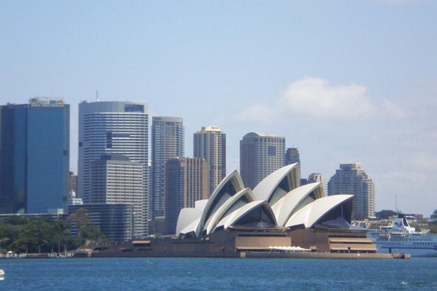 FUN暑假~《送無尾熊抱抱合照》東澳黃金雪梨雙城八日~雪梨塔+天堂鄉農莊+思洛美酒莊+螢火蟲+百萬遊艇(含小費)CX