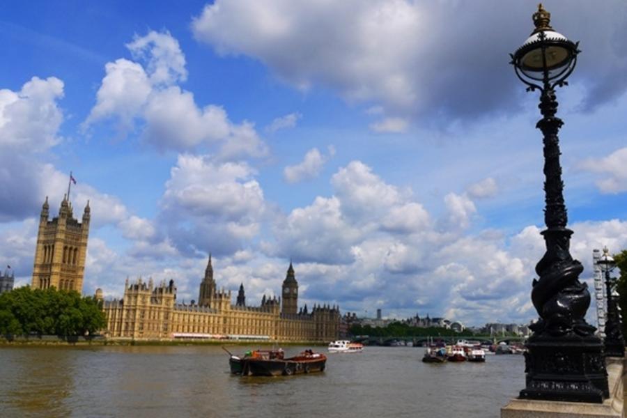 國泰(雙點進出)!英國蘇格蘭13天(WIFI機)~三古堡(亞倫維克+愛丁堡+霍華德)、雙景觀火車、雙層巴士下午茶時光、名廚三饗宴(含稅小費)