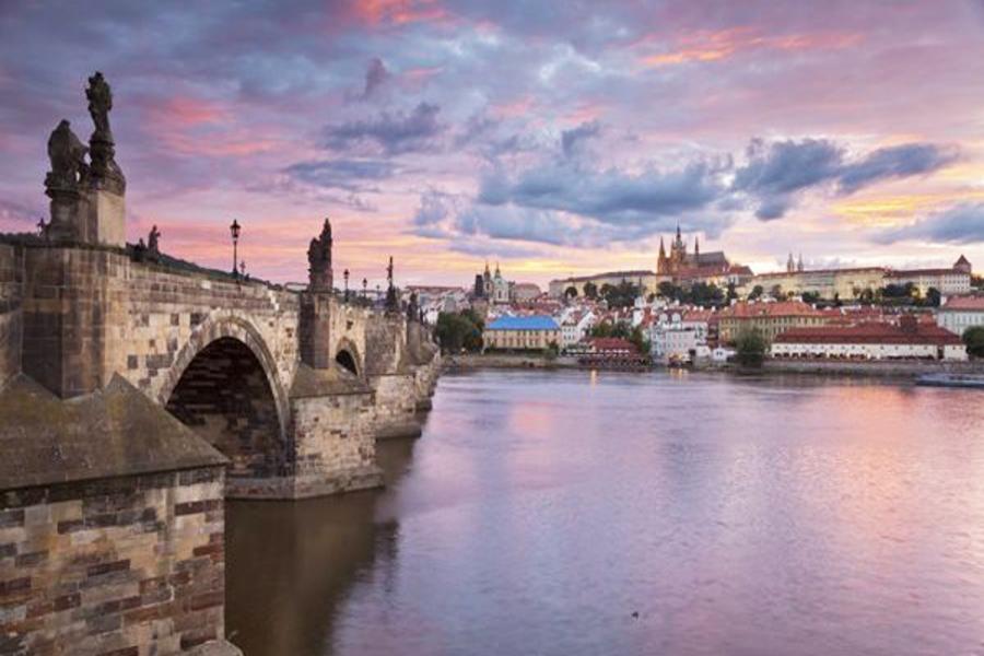 【賺很大】奧捷斯匈、經典三宮堡城、多瑙河遊船、米其林推薦級風味13日
