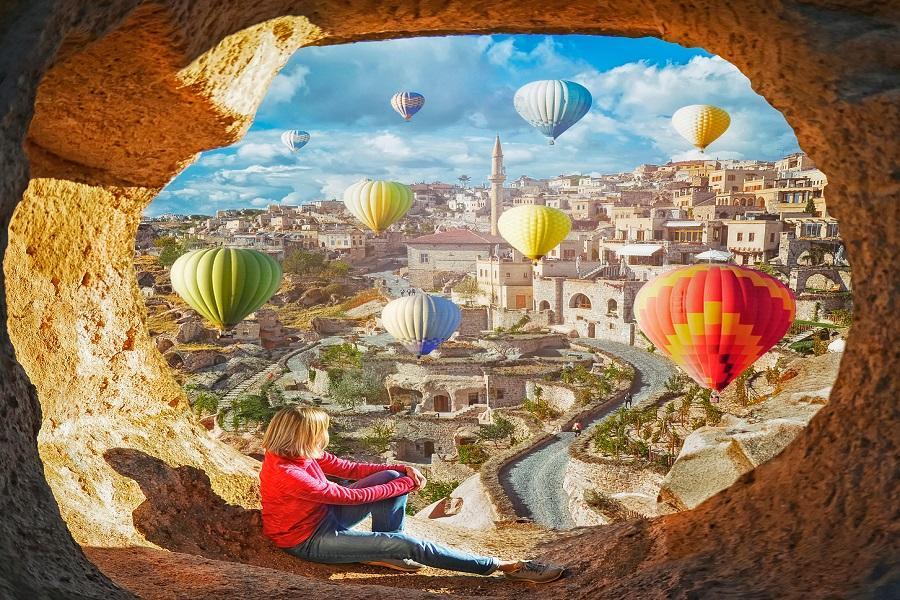 【金豬報喜】土耳其雙點進出、洞穴飯店、圖拉桑酒莊、熱氣球升空9日