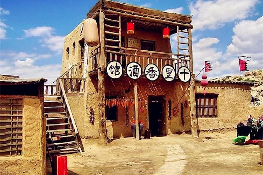 神奇寧夏、東方金字塔、沙漠玻璃橋、温泉泡湯8日(升等凱賓斯基、三排椅)
