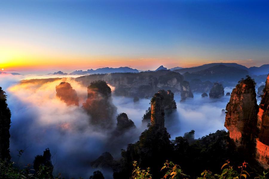 湖北武漢湖南張家界、大峽谷玻璃橋、鳳凰古城8日(三排椅+WIFI)