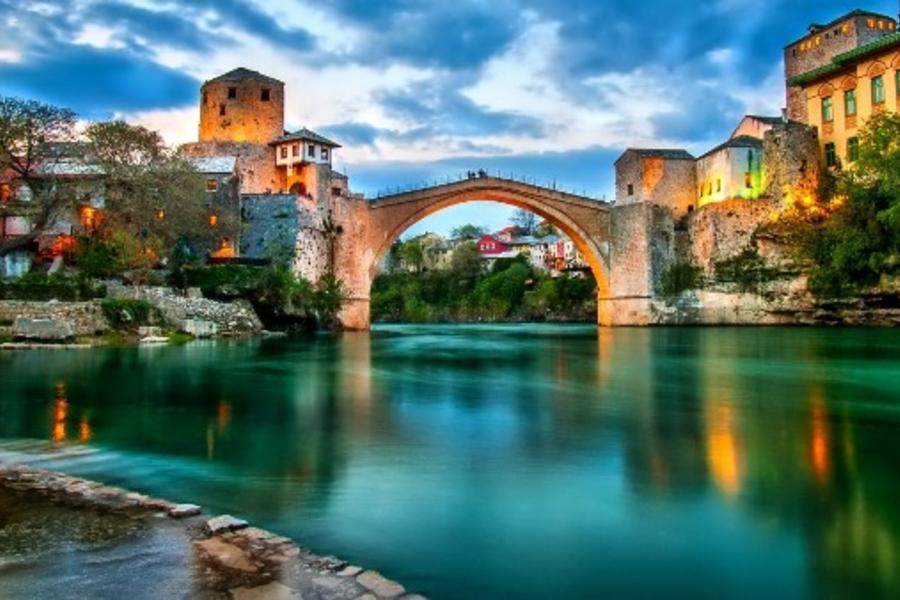 魅力歐洲!五星小東歐、童話城堡、地下鹽礦城、七晚五星飯店12日