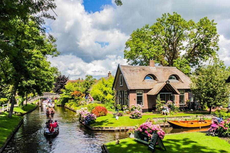 【賺很大】荷蘭雙遊船、荷風三色村、古堡花園、庫勒慕勒、Outlet7日