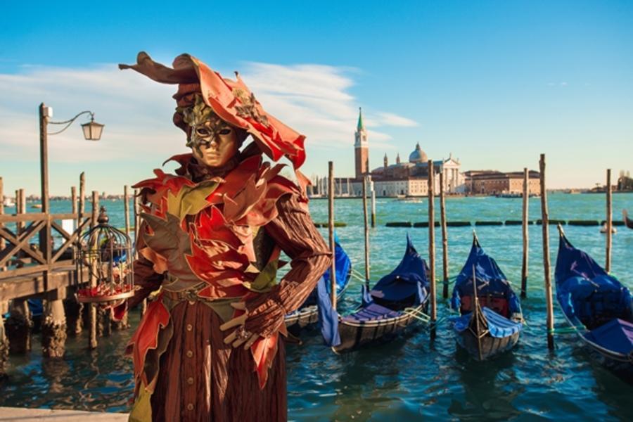 【威尼斯嘉年華】阿聯酋!義大利11日~雙點進出、夜泊威尼斯、貢多拉遊船、西斯丁禮拜堂入內、托斯卡尼酒莊、高速列車體驗、威尼斯鐘樓登頂(含稅)