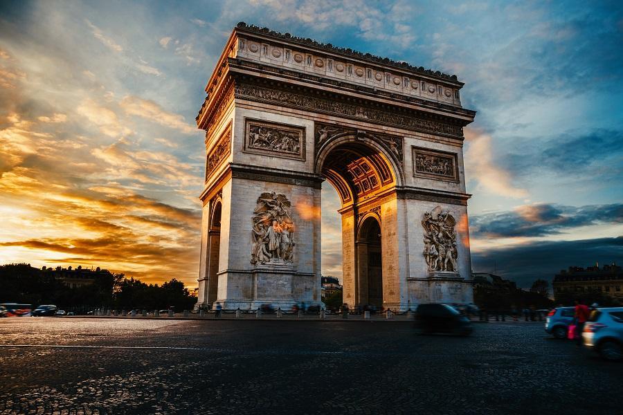 【賺很大】法國塞納河遊船、羅浮宮、蒙馬特、左岸、OUTLET8日