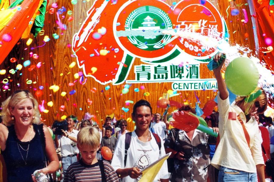 青島嗨啤夏日狂歡啤酒節、蓬萊仙境5日【三排椅巴士、豪華海鮮餐啤酒暢飲】